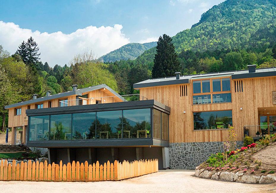 Lignius legno house trentino case in legno ristorante for Casa classica toscana srl