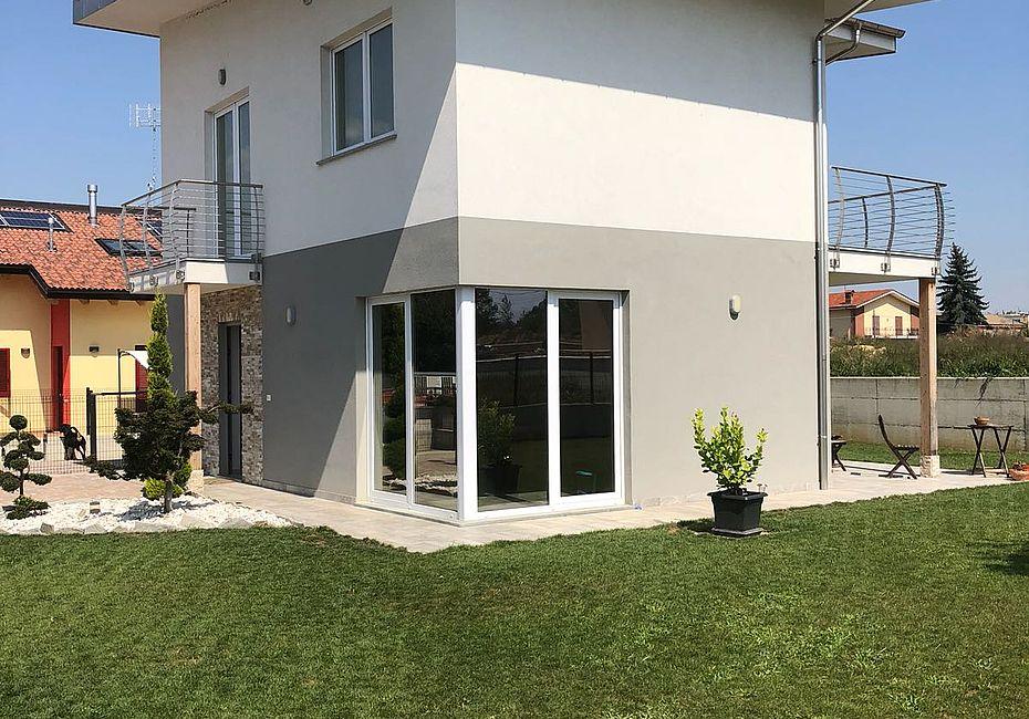 Green building italia case in legno villetta moderna for Villetta moderna progetto