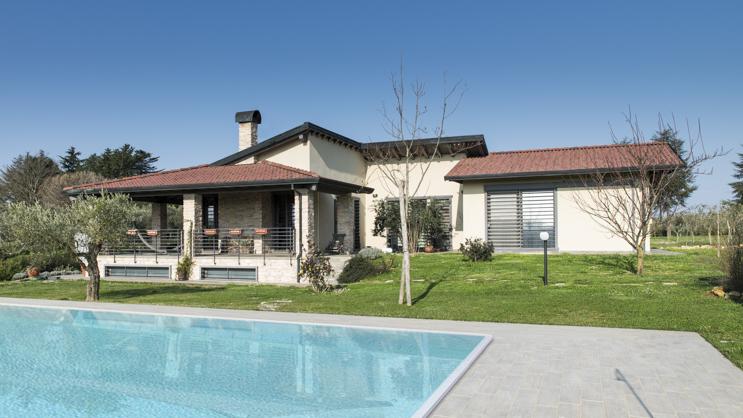 casa con piscina Bautiz