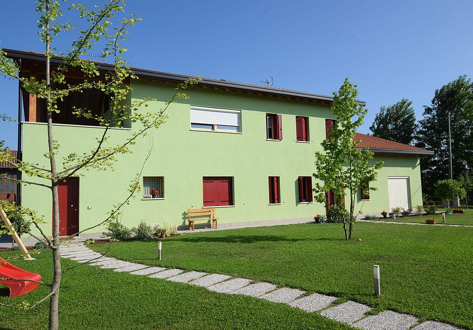 Lignius casa natura srl case in legno casa bifamiliare for Casa classica toscana srl